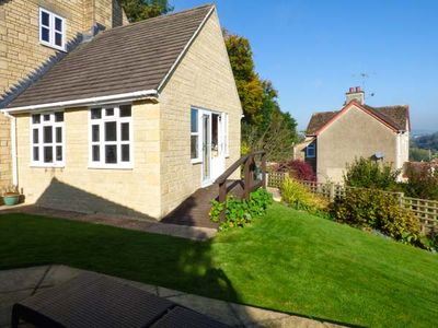 Photo for GARDEN VIEW, romantic, with hot tub in Nailsworth, Ref 927772
