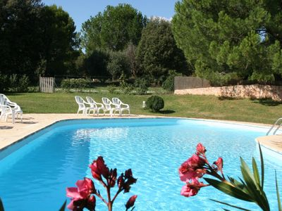 Photo for Lou Petarel, Charming  stonehouse with pool, nature an calm in Provence