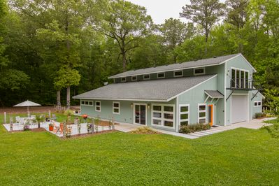 The Modern Barn is 1200 sq feet clean-lined luxury.