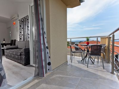 Photo for One bedroom Apartment, sleeps 4 in Podgora with Air Con and WiFi