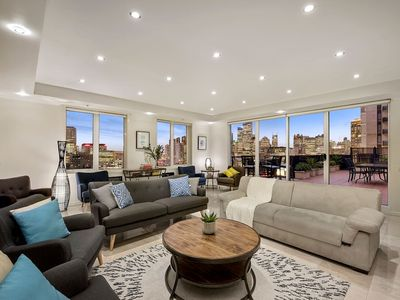 Photo for LUXURY PENTHOUSE 3BDR INNER CITY + LRG GROUP+WIFI