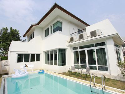 Photo for Beach front Pool villa Pattaya with 4BR
