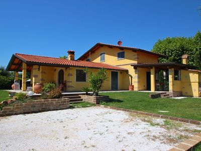 Photo for Private Villa with hot tub, WIFI, private pool, A/C, TV, patio, parking, close to Forte Dei Marmi