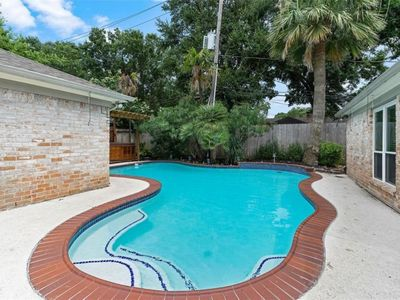 Photo for Beautiful home 2 miles from the Galleria