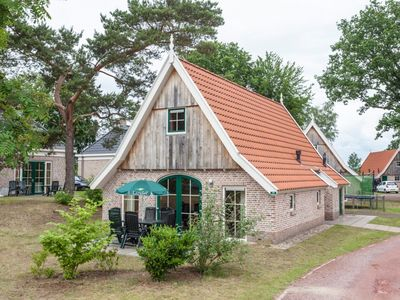 Photo for 6-person bungalow in the holiday park Landal Landgoed De Hellendoornse Berg - rural location