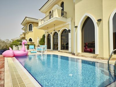 Photo for Luxurious 6 bedrooms Villa in Palm Jumeirah