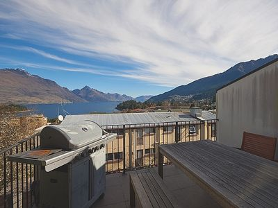 Photo for Ridge Escape - Queenstown Apartment
