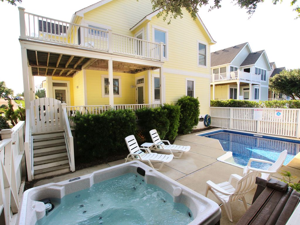 4 Bedroom 3 Bath Home W Private Pool Hot Tub In The Currituck Club Resort Whalehead Outer