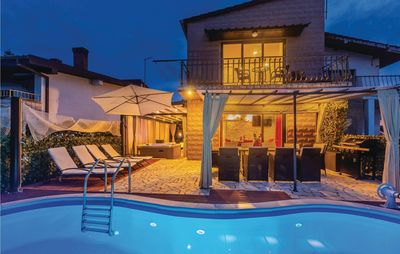 Photo for 4 bedroom accommodation in Vantacici