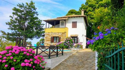 Photo for Traditional Villa with Private Pool in Pelion