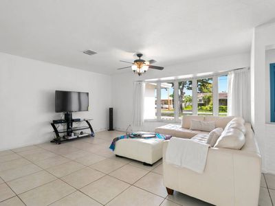 Photo for 10% Discount 4/3 Vacation Home in Landings close to Lauderdale by the sea