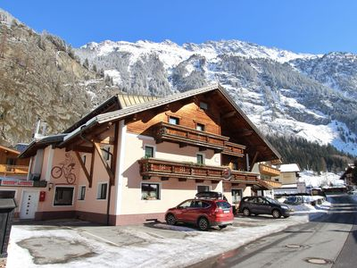 Photo for Spacious detached holiday house up to 50 persons only 8 km from Sölden