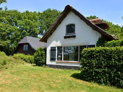 Photo for Charming villa with amenities within walking distance of the Veluwe