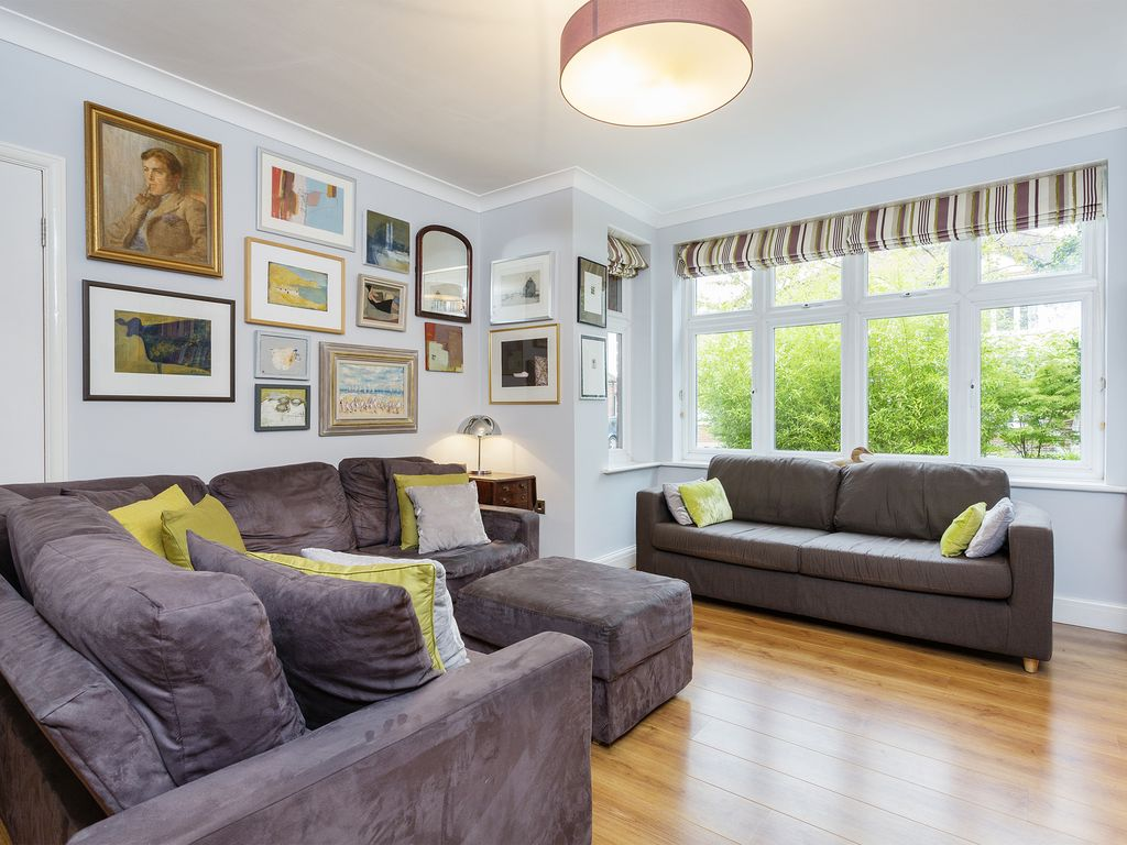 A Beautifully Decorated Designer 5 Bed Home
