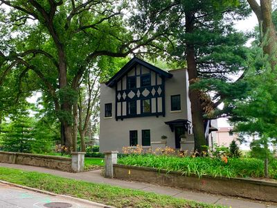 Photo for Beautiful historic Carriage House in exclusive McClellan Heights