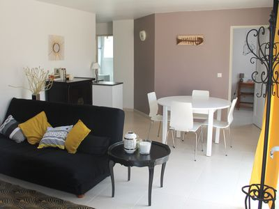 Photo for House 4 people quiet with patio 5 minutes from the Ile de Ré