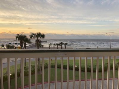 Photo for TOP Floor, FRONT Facing- BRAND NEW condo!! Beachfront Paradise! #304
