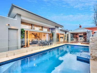 Photo for The Waterside - Luxury Holiday Home