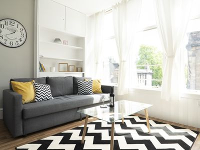 Photo for Bright, Modern and Central One Bedroom Flat
