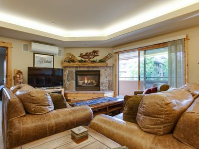 Photo for Cozy corner condo w/ a large deck & shared pool - 200 yards to the base area!