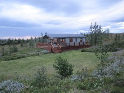 Photo for A Beautiful Golden Circle cottage, 3 Bedrooms, hot tub, golf course, Sleeps 6,