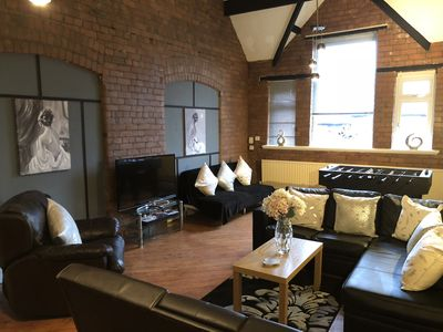 Photo for A Chic & Characterful Apartment Near City Centre