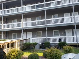 Photo for 1BR Condo Vacation Rental in Manning, South Carolina