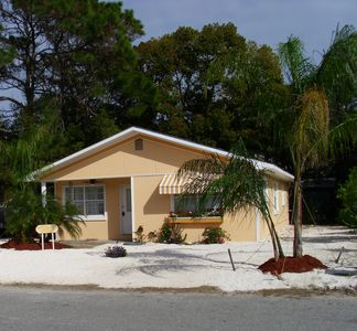 Dreamsicle Beach Cottage.  Close to Beach. Pets. WIFI.
