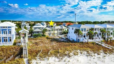 """""""Come On Inn"""" cottage sleeps 5 and is located one house over from beach access.Stunning gulf views!"""