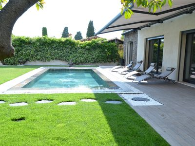 Photo for West side of the Cap d'Antibes villa 200 meters from the beach Waves