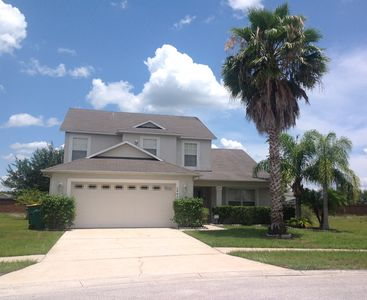 Photo for Upmarket location 20 minutes to Disney 4 bed, secluded private pool, free wifi