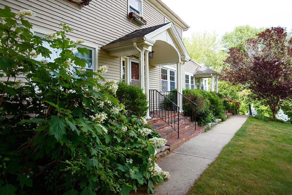 Feather Hill Bed And Breakfast Pomfret Ct