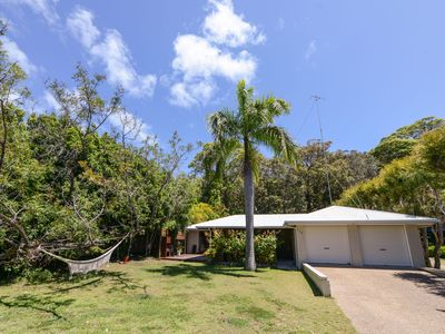 Photo for Palm Beachhouse - Point Lookout, QLD