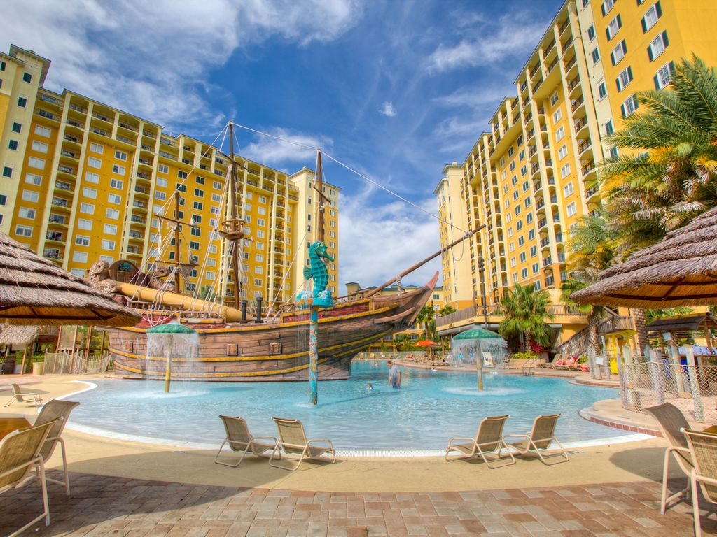 Next to Disney--Newly Renovated Poolside Condo from $159!