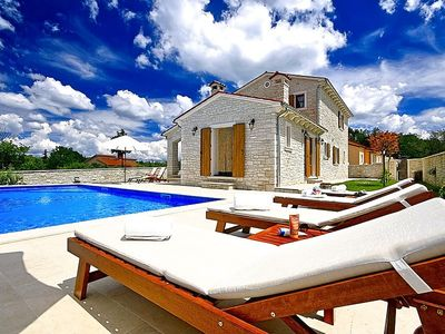 Photo for Holiday house Jakovici for 6 - 8 persons with 3 bedrooms - Villa