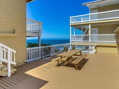 Photo for Romantic oceanview suite - easy beach access, dog-friendly!
