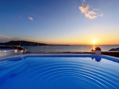 Photo for 3 bedroom villa in Oia for up to 8 persons- Sunset view