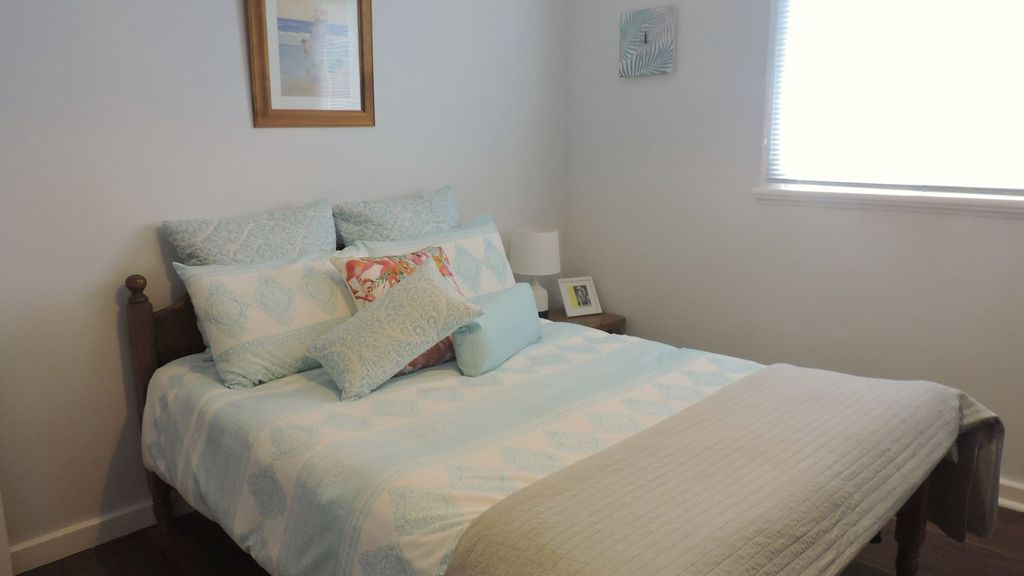 Otters Retreat - Cute Cosy Cottage