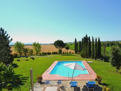 Photo for Stunning private villa with WIFI, private pool, TV, terrace, pets allowed, parking, close to Cortona