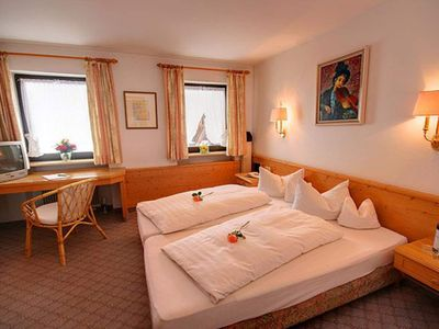 "Photo for Double room without balcony DZ_oB_HH ""18"" - Hotel Garni Adler"