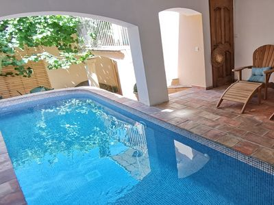 One minute walk from the port,  private pool and car park