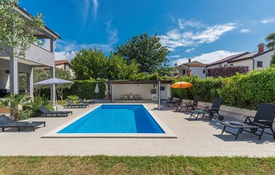 Photo for Apartment Leko II with Shared Pool and Garden