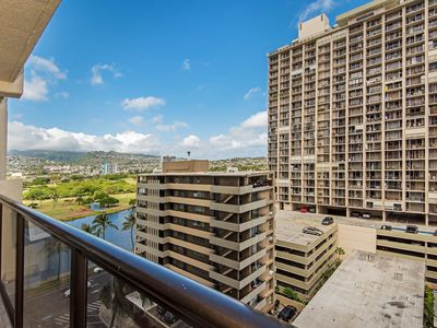 Photo for Beautifully Updated Nahua Mountain View Condo with Full Kitchen, Free Parking