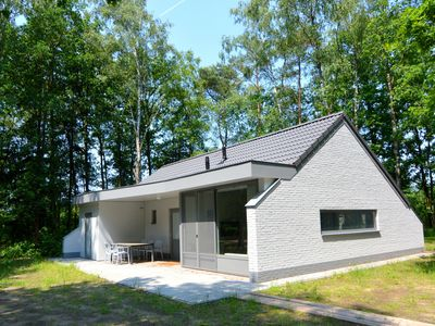 Photo for Detached bungalow with cycle hire on a small nature-filled holiday park