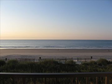 Oceanfront Get-a-Way - Maintained & Updated  - Great Ocean View