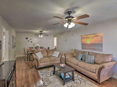 Open 'Island Time' Home ~1 Mi to Galveston Beaches