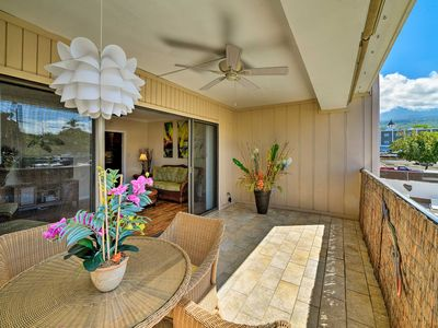 Photo for Downtown Kailua-Kona Condo w/AC Walk to Beach/Bars