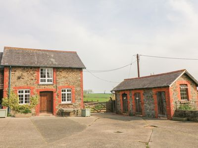 Photo for SHIREHORSE COTTAGE, pet friendly in Chittlehampton , Ref 988254