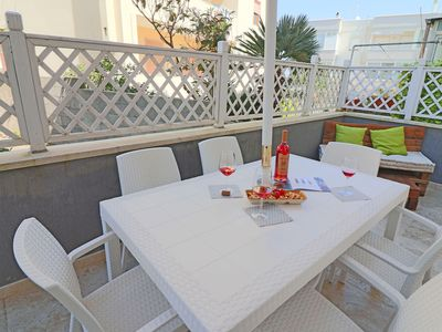 Photo for Holiday Apartment with Wi-Fi, Air Conditioning and Balcony; Pets Allowed