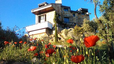 Photo for Beautiful villa with private pool, terraces and views of the Sierra de Madrid